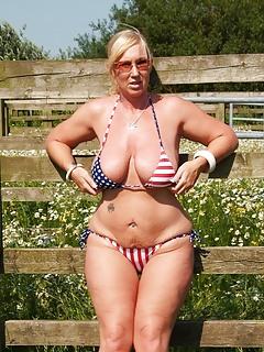 Mature Bikini Pics